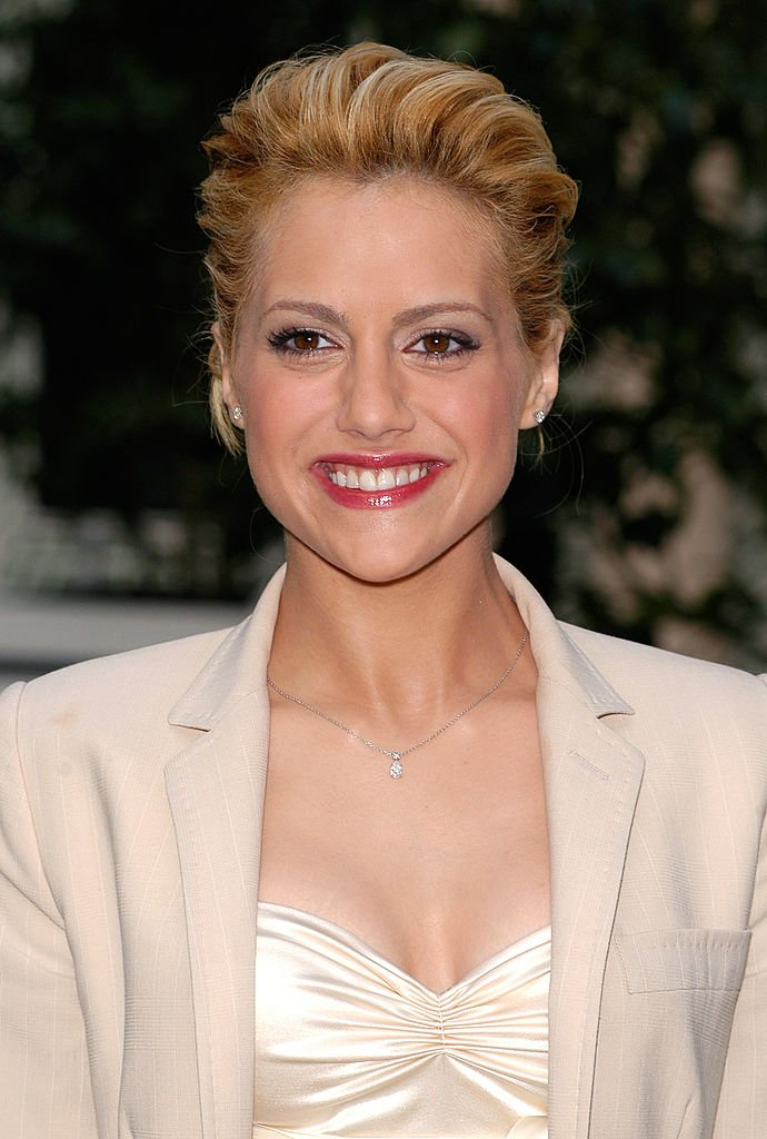 """Brittany Murphy during """" 8 Mile """" Photocall - Paris   Photo: Getty Images"""