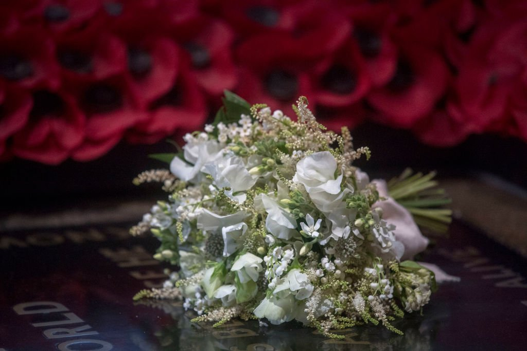 Le bouquet de mariage de Meghan Markle sur la tombe d'un guerrier inconnu | Getty Images / Global Images Ukraine