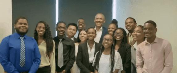 Former President Barack Obama posing with interns at Youth Job Corps program in Chicago on July 16, 2019 | Photo: Twitter/Barack Obama