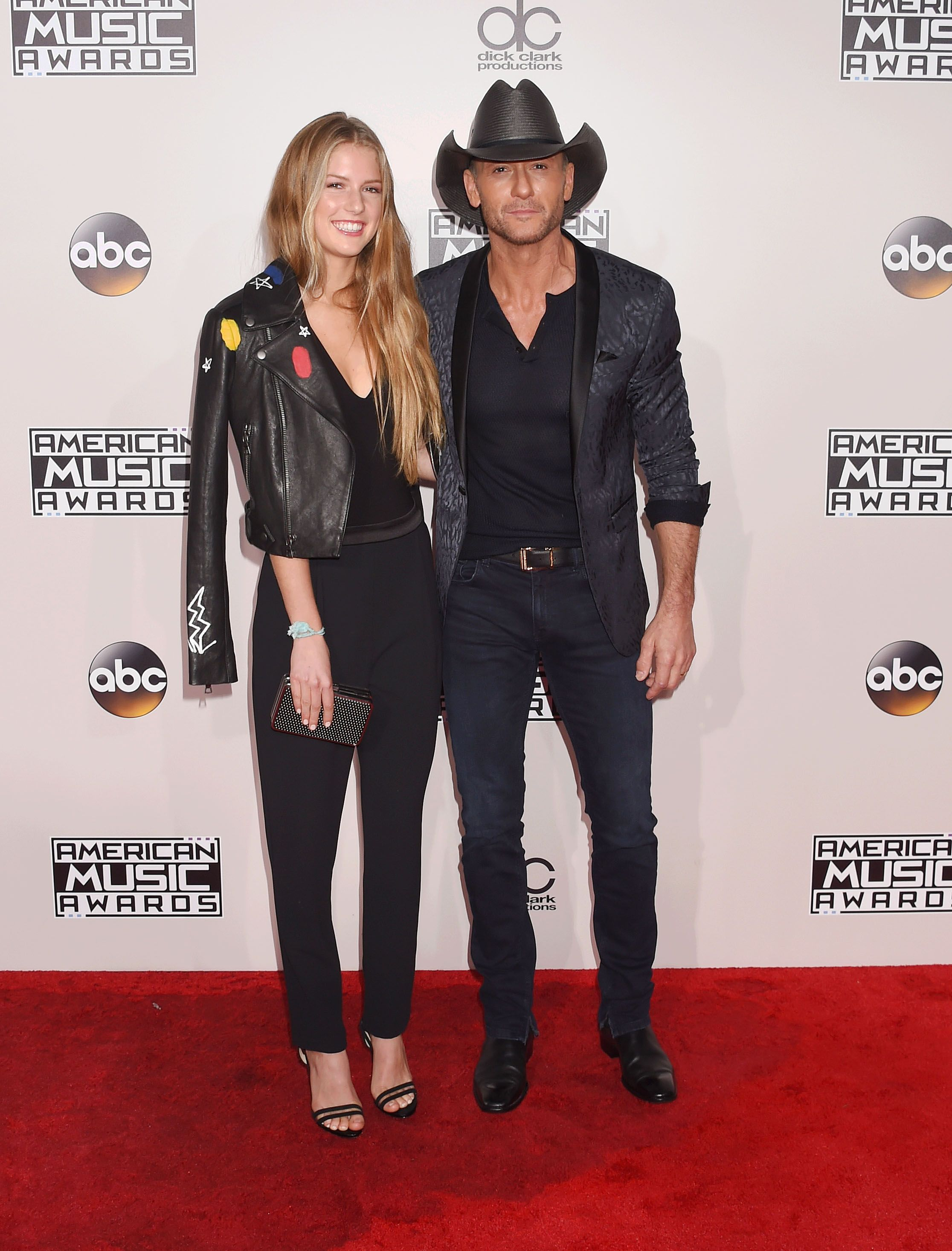 Maggie Elizabeth McGraw and Tim McGraw at the 2016 American Music Awards at Microsoft Theater on November 20, 2016 | Photo: Getty Images