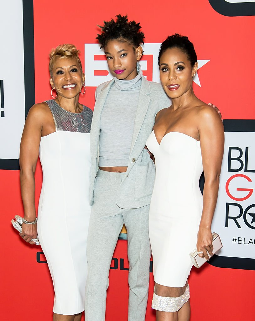 Adrienne Banfield-Jones, Jada Pinkett Smith and Willow Smith attend the BET's 'Black Girls Rock!' Red Carpet at NJ Performing Arts Center on March 28, 2015 | Photo: Getty Images