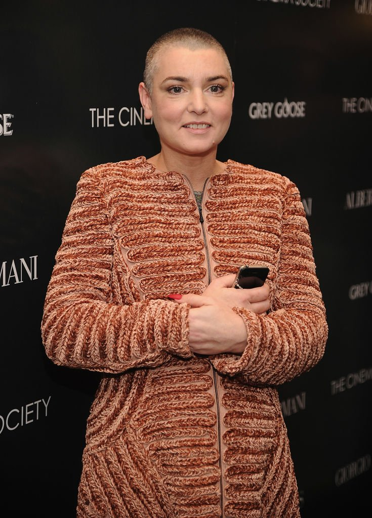"Sinead O'Connor nimmt am 13. Dezember 2011 an der Vorführung von ""Albert Nobbs"" der Giorgio Armani & Cinema Society im Museum of Modern Art in New York City teil. 