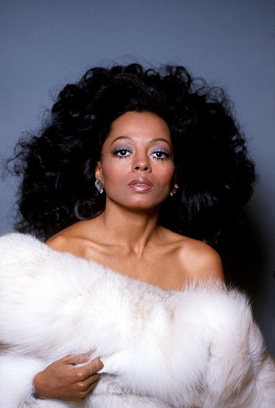 Diana Ross in White Fur. | Photo: Getty Images.
