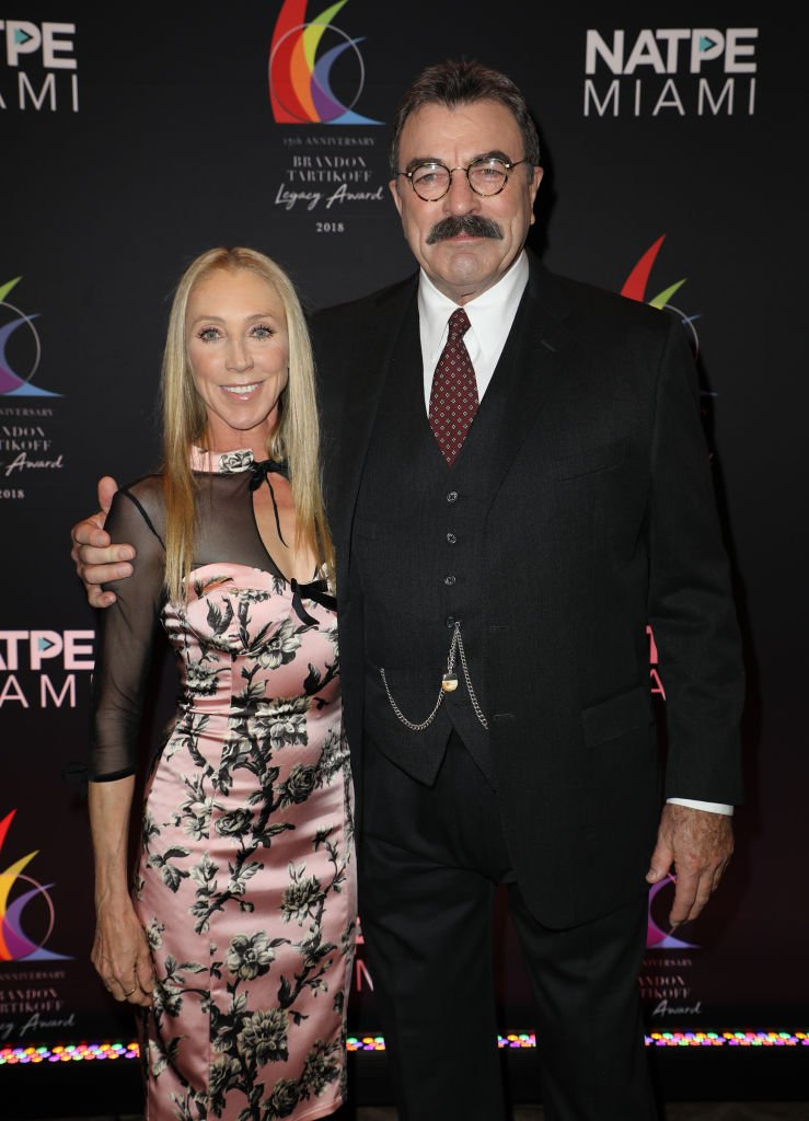 Tom Selleck et Jillie Mack | Photo : Getty Images