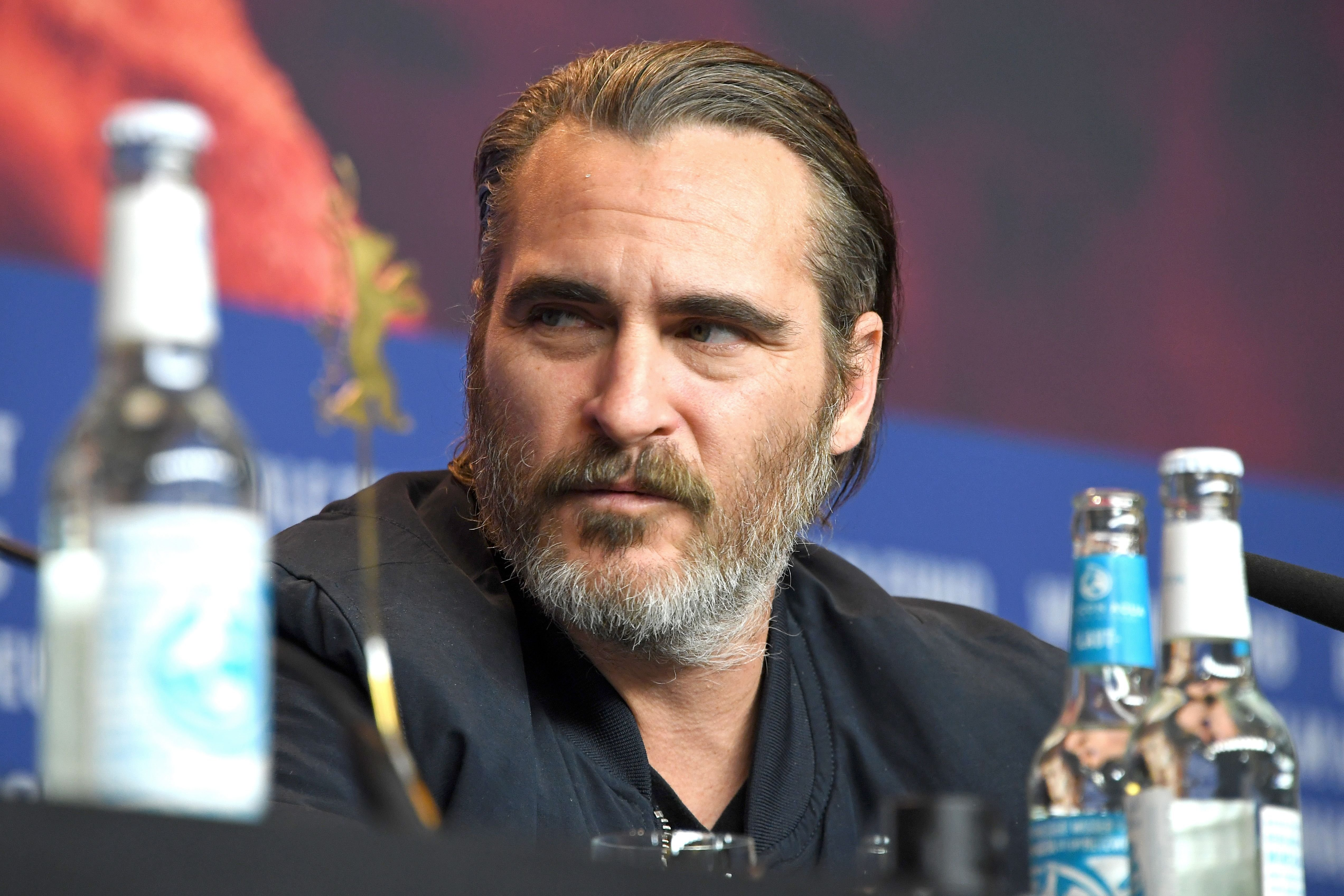 BERLIN, GERMANY - FEBRUARY 20: Joaquin Phoenix is seen at the 'Don't Worry, He Won't Get Far on Foot' press conference during the 68th Berlinale International Film Festival Berlin at Grand Hyatt Hotel on February 20, 2018 in Berlin, Germany. | Foto von: Pascal Le Segretain/Getty Images