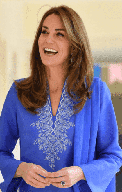 Kate Middleton visite l'Islamabad Model College pour filles, le 15 octobre 2019, à Islamabad, Pakistan | Source : Getty Images