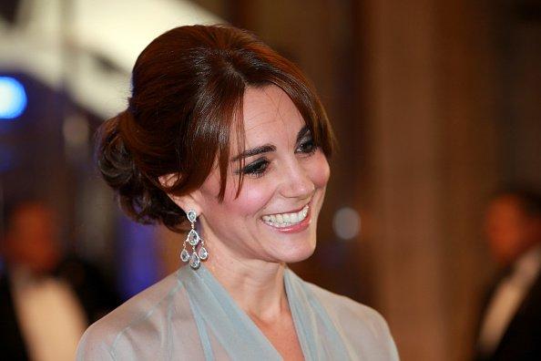Catherine, Duchesse de Cambridge, assiste au Royal Film Performance 2015 de la 24ème James Bond Adventure, 'Spectre' au Royal Albert Hall le 26 octobre 2015 à Londres, Angleterre. | Photo : Getty Images
