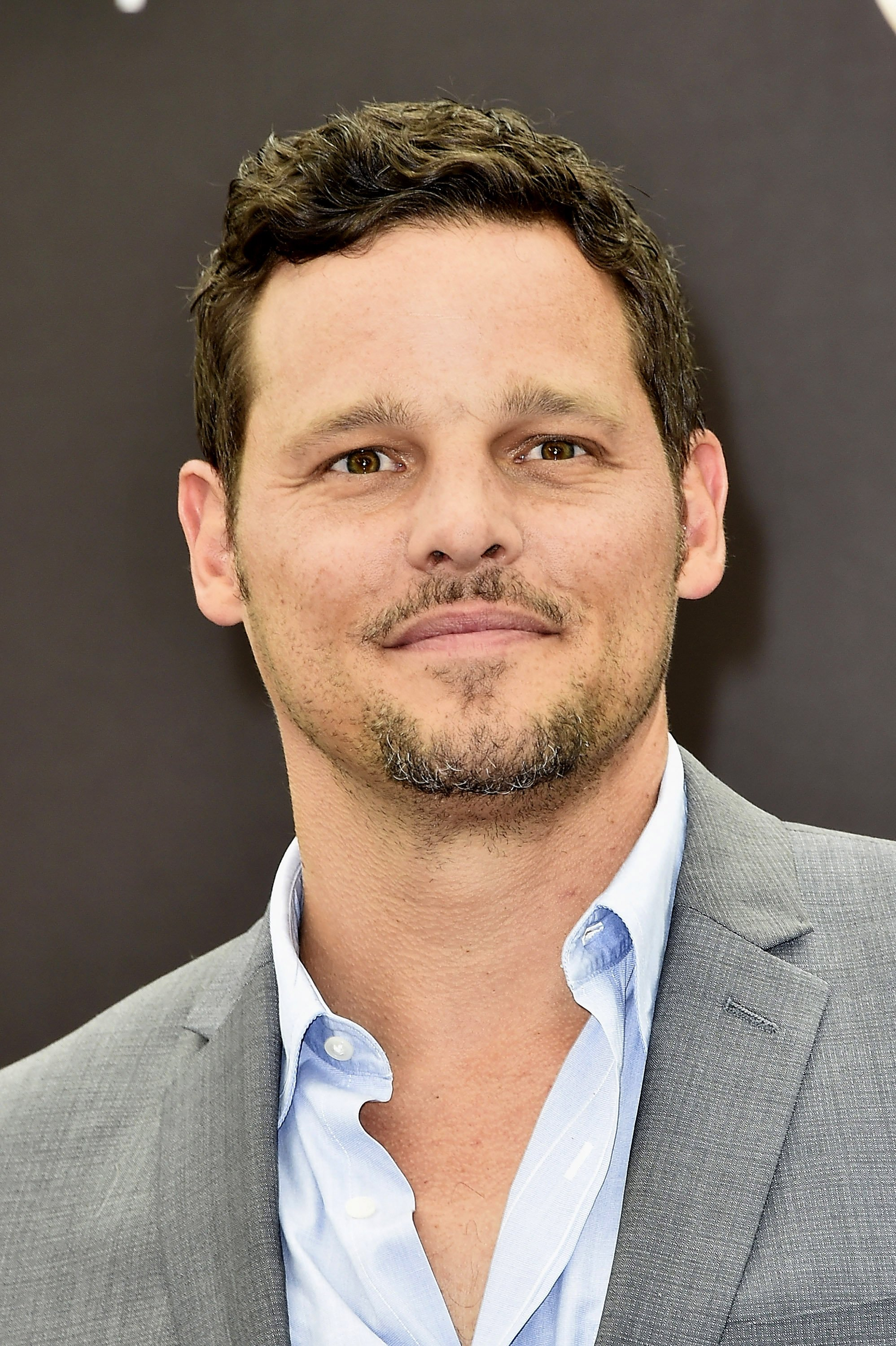 Justin Chambers pose lors d'un shooting pour le programme télévisé 'Grey's Anatomy' | Photo : Getty Images