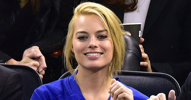 Margot Robbie at a Arizona Coyotes vs New York Rangers game on February 26, 2015 in New York City | Source: Getty Images