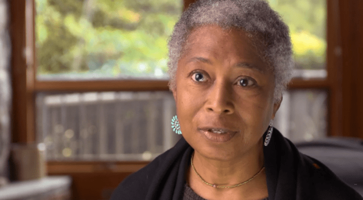Alice Walker talks about her parents in interview with MAKERS, 2012 | Source: YouTube/MAKERS