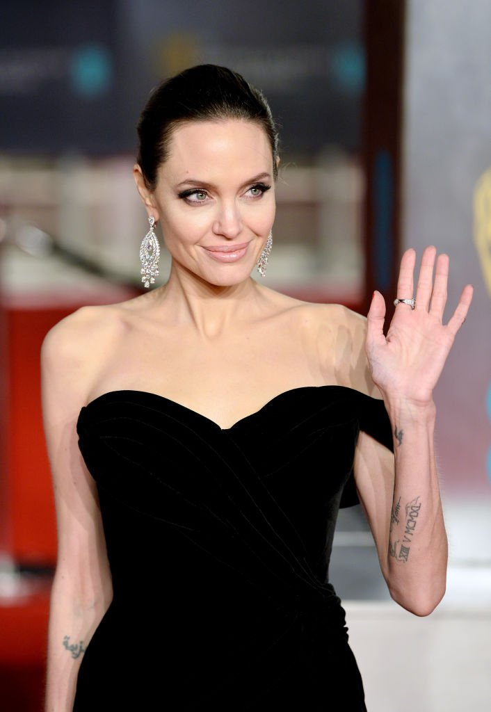 Angelina Jolie attends the EE British Academy Film Awards in London, England on February 18, 2018 | Photo: Getty Images