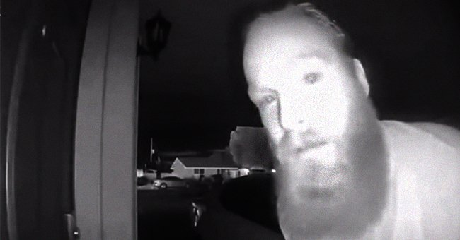 Man Uses Ring Camera to Alert a Woman About Danger
