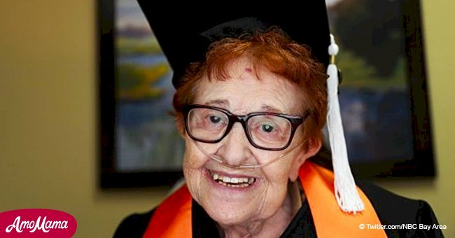 84-year-old woman graduates from the University with a bachelor's degree