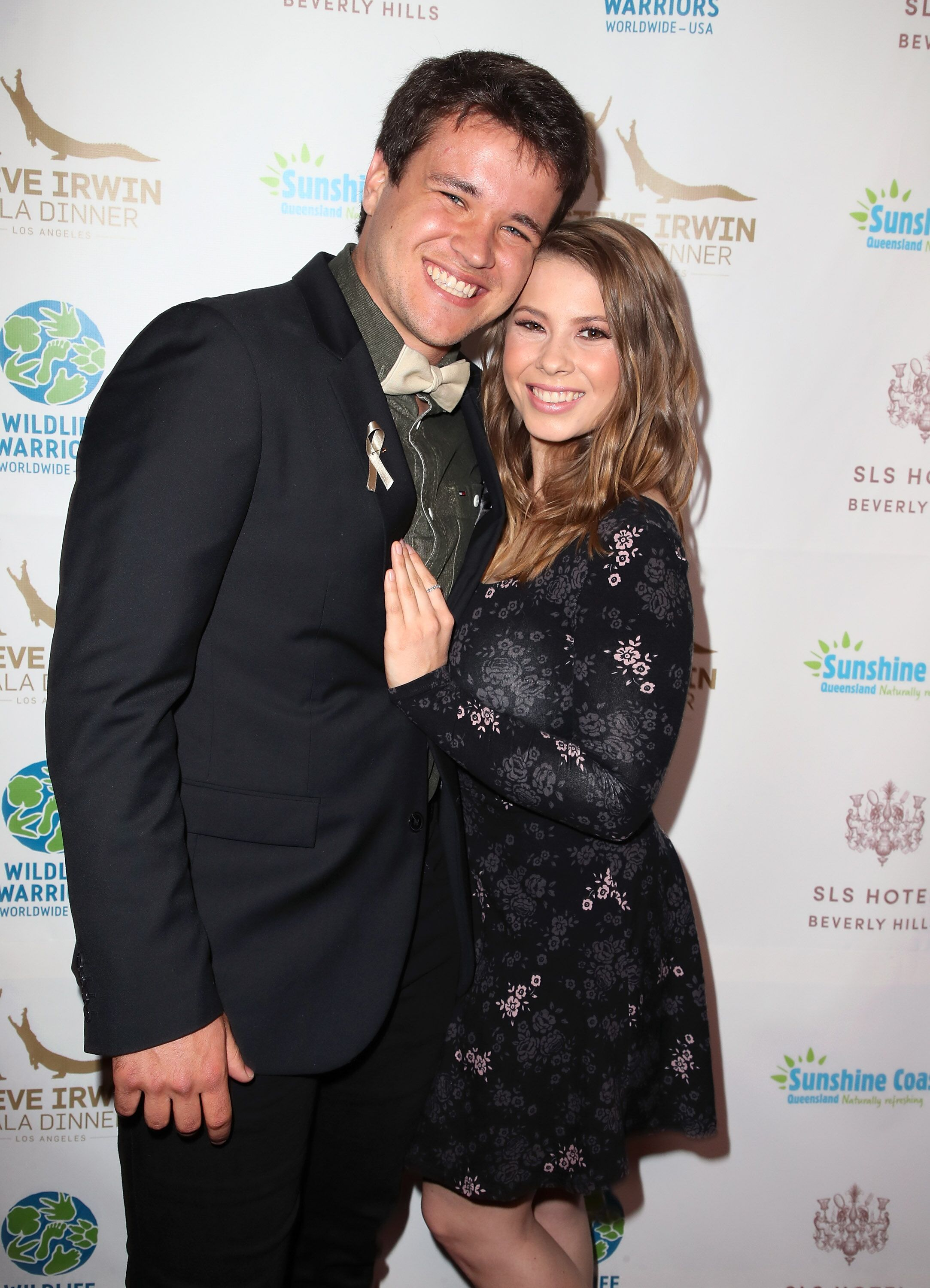 Chandler Powell and Bindi Irwin at the Steve Irwin Gala Dinner in 2018, in Beverly Hills | Source: Getty Images