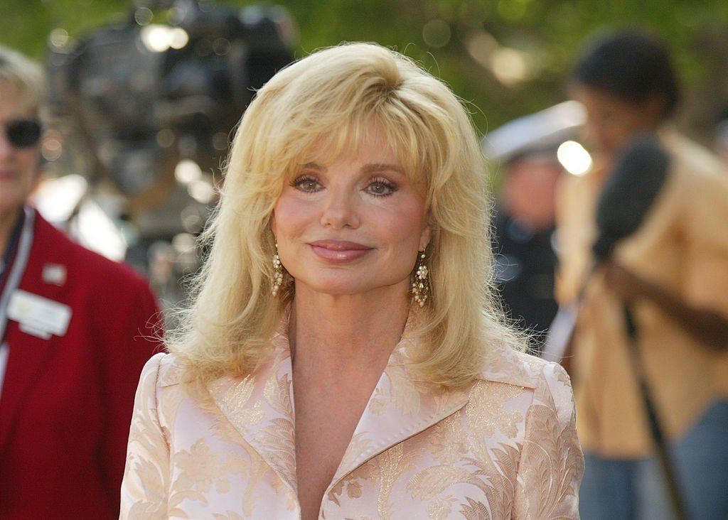 Loni Anderson at the memorial Mass for Bob Hope on August 27, 2003 | Photo: GettyImages