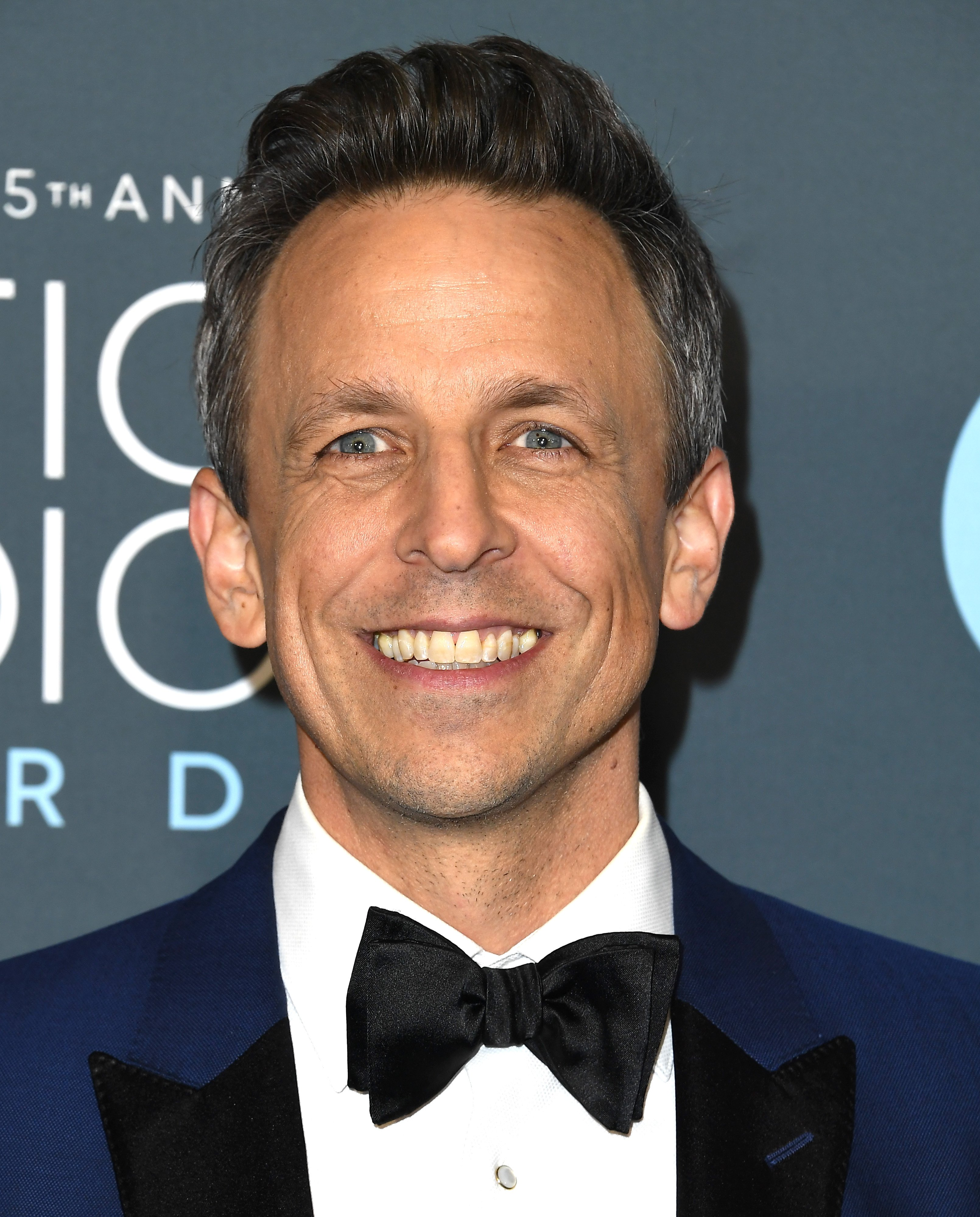 Seth Meyers arrives at the 25th Annual Critics' Choice Awards at Barker Hangar on January 12, 2020|Photo: Getty Images