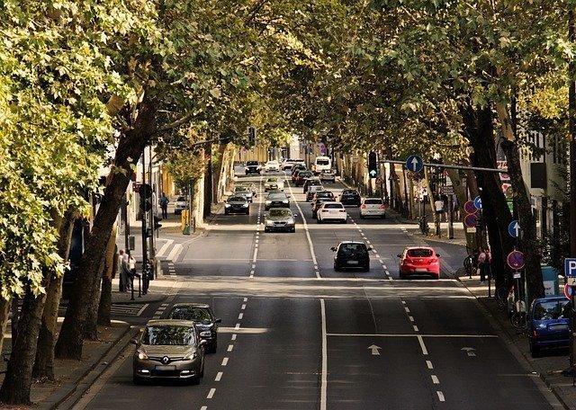 Befahrene Straße | Quelle: Pixabay