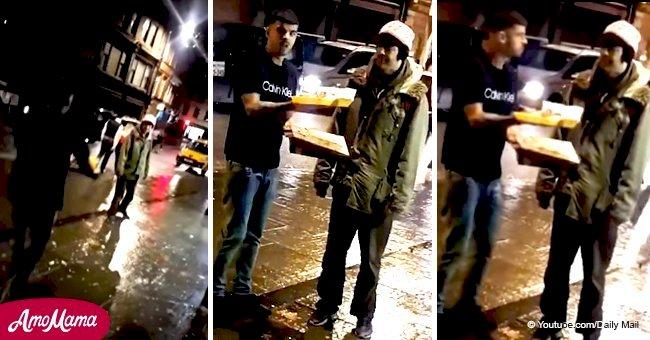 Un homme filmé en train de claquer un kébab à emporter sur le visage d'un sans-abri suscite l'indignation