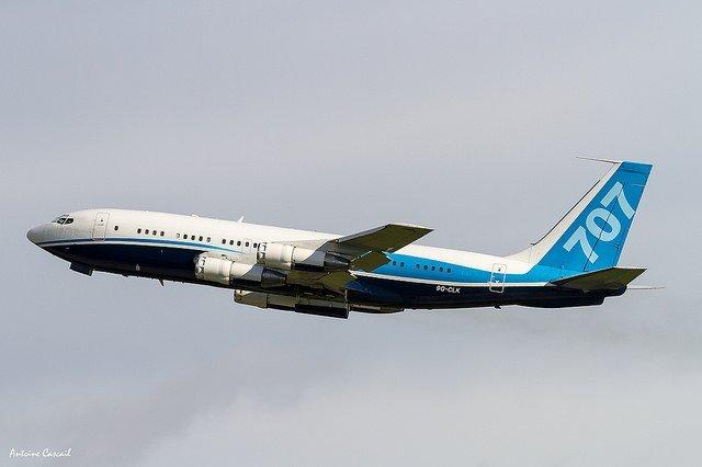 Un avion en plein air. l Source: Flickr