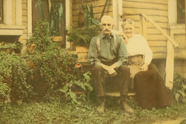 Un couple de personnes âgées. l Source: Flickr