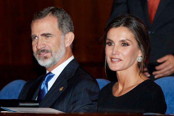 El Rey Felipe VI de España y la Reina Letizia de España asistieron al 27º Concierto de los Premios Princesa de Asturias en el Auditorio Príncipe Felipe el 18 de octubre de 2018 en Oviedo, España. | Foto: Getty Images