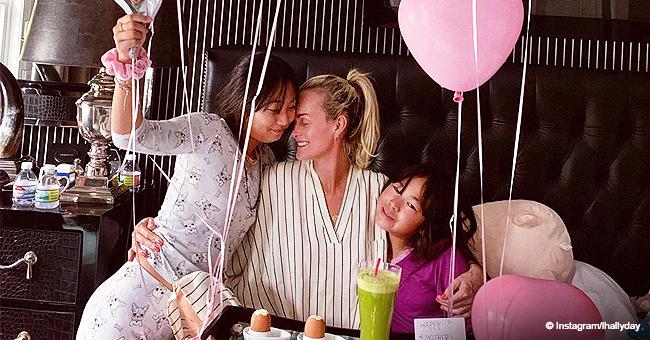 Fête des mères : Message touchant de Laeticia Hallyday sur ses filles