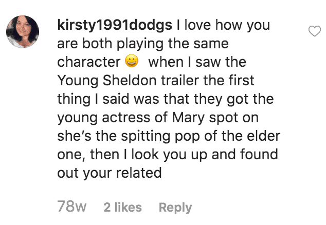 Fan comments on Zoe Perry pictures as she poses with her mother Laurie Metcalf at anawards show | Source: instagram.com/zoeperryveri