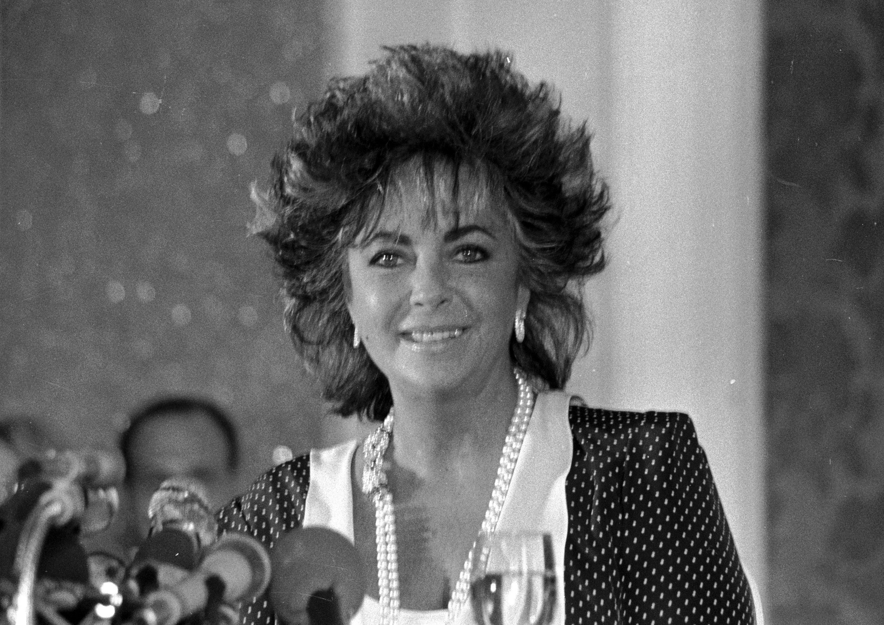 Elizabeth Taylor at the American Film Festival of Deauville in Normandy, France in 1985. | Source: Wikimedia Commons