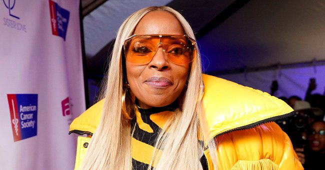 See Stunning Pic of Mary J Blige Flaunting Her Skinny Waist in Sheer Top & Tight-Fitting Jeans