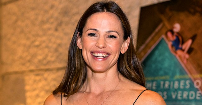 Watch This Adorable Exchange between Jennifer Garner and Mom Patricia as the Actress Makes Cornbread
