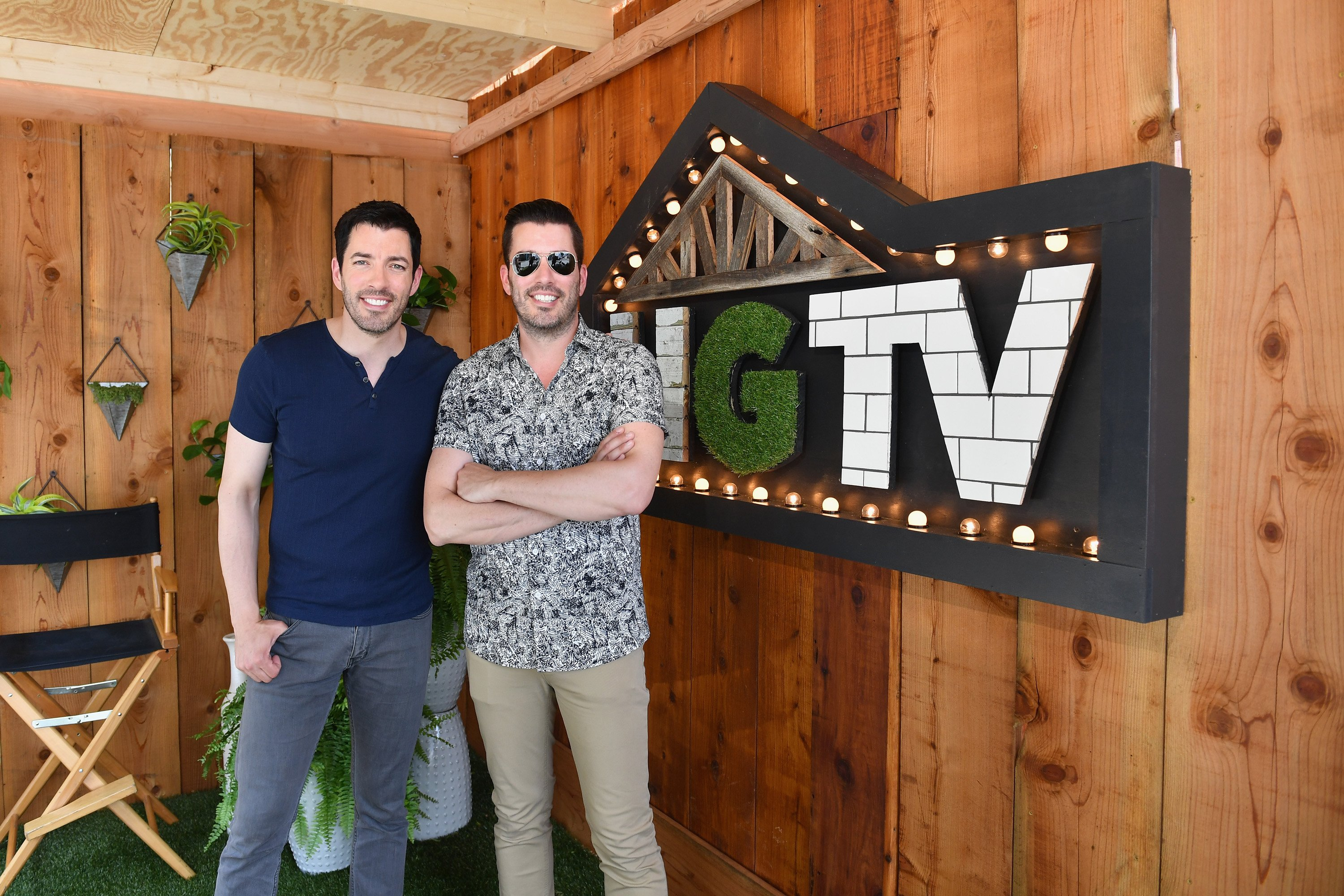 Drew and Jonathan Scott attend the HGTV Lodge at CMA Music Fest in Nashville, Tennessee on June 9, 2018 | Photo: Getty Images