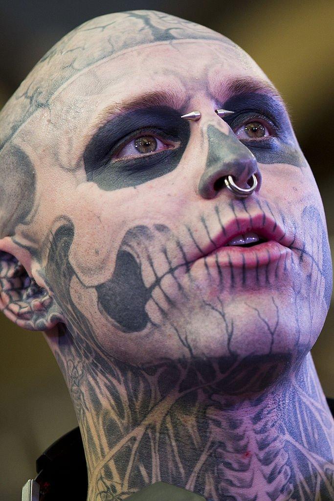 Rick Genest à une convention sur les tatouages en 2014. l Source : Getty Images