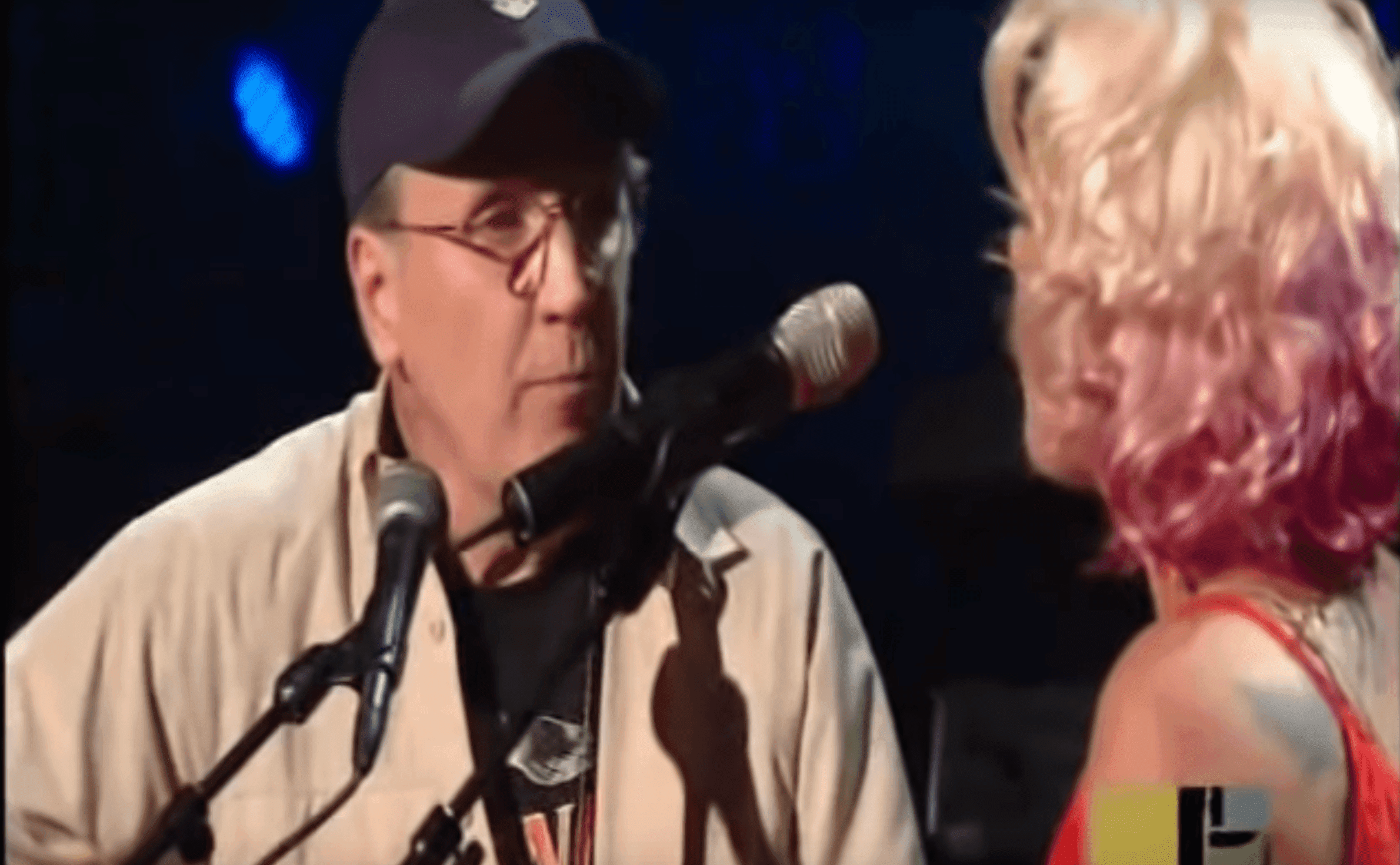 Pink performs with her dad | Photo: YouTube/ratchel83