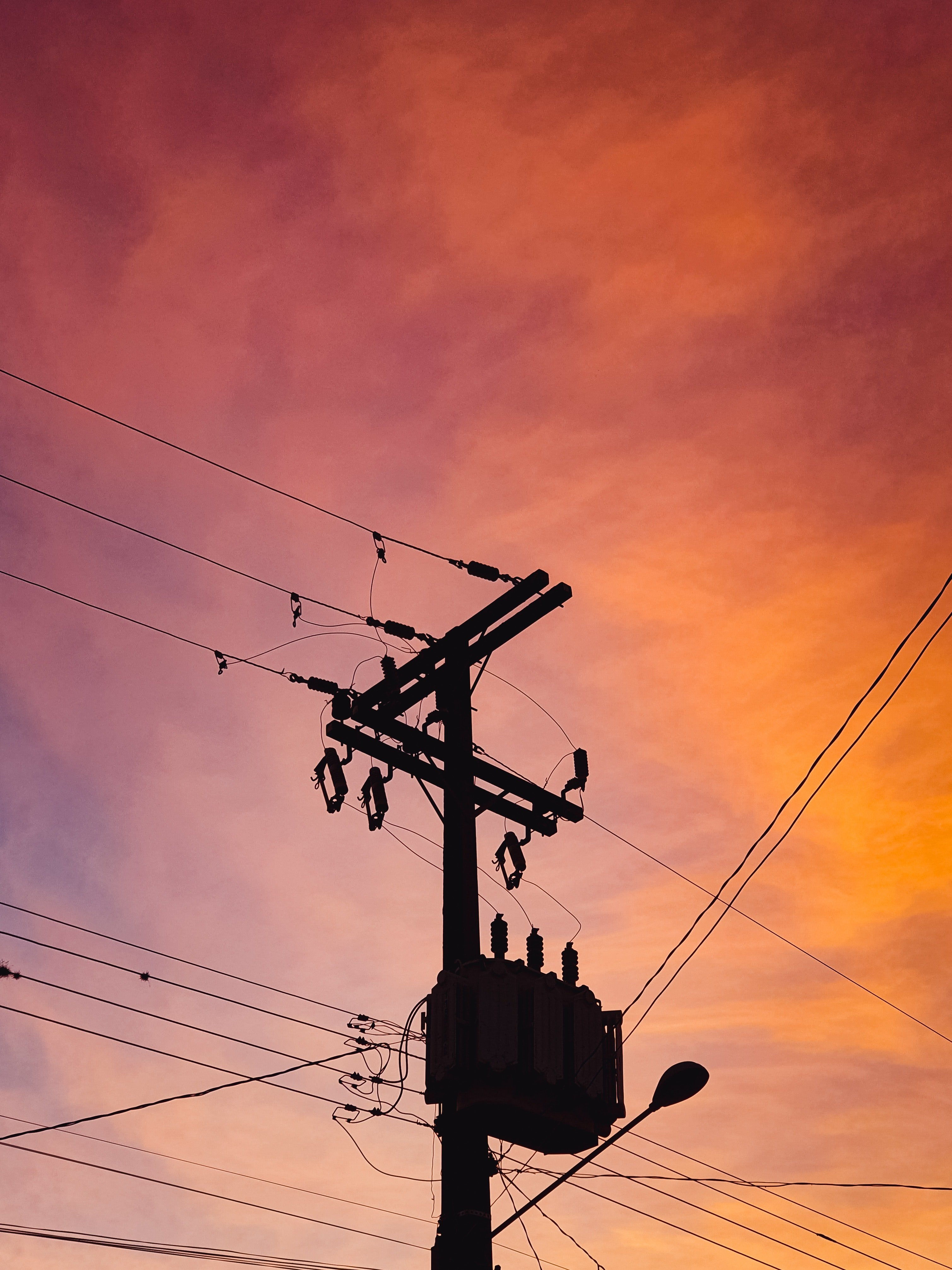 Silhouette of a utility post. | Source: Pexels.