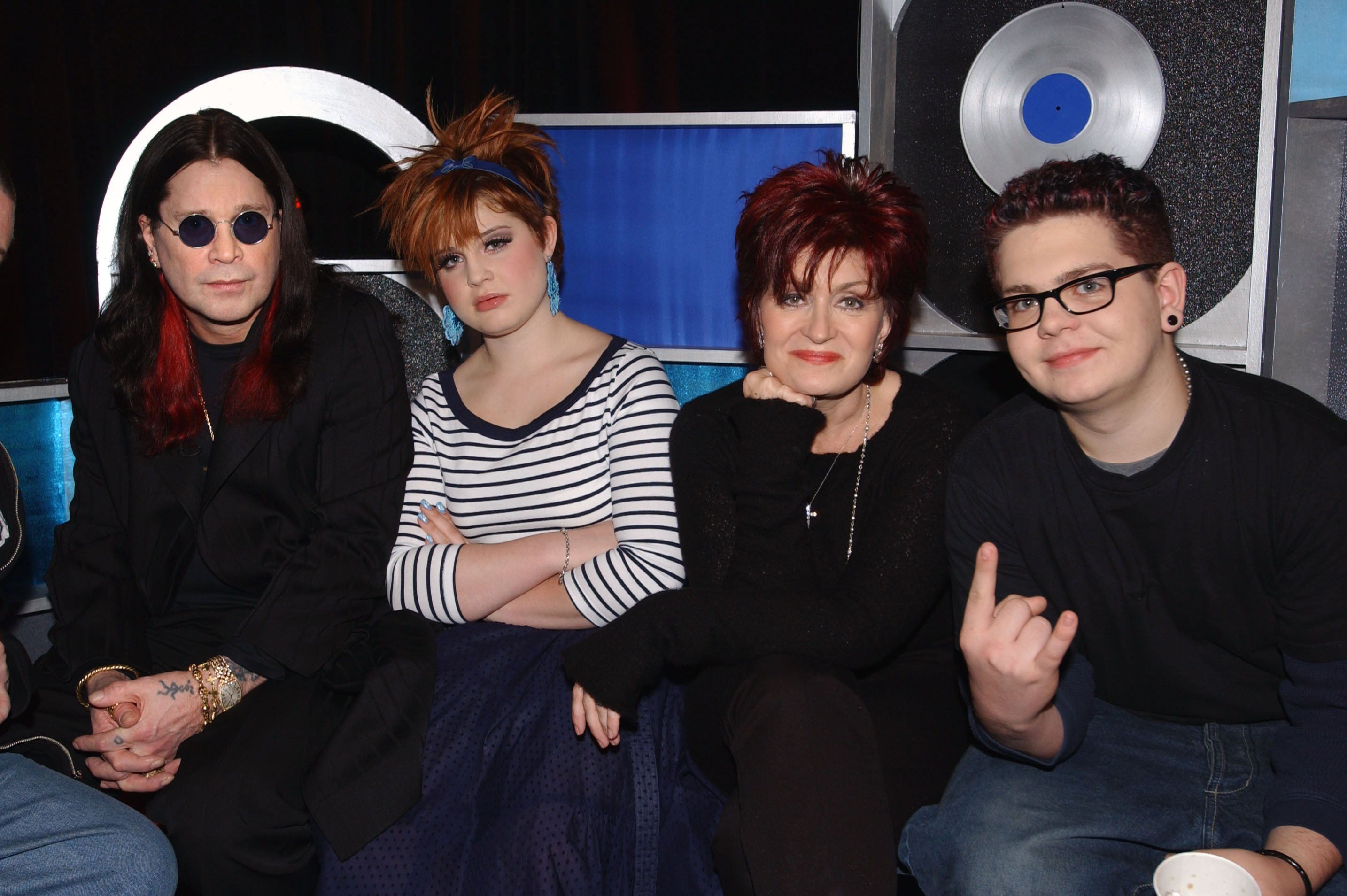 From left to right: Ozzy, Kelly, Sharon, and Jack Osbourne. I Image: Getty Images.