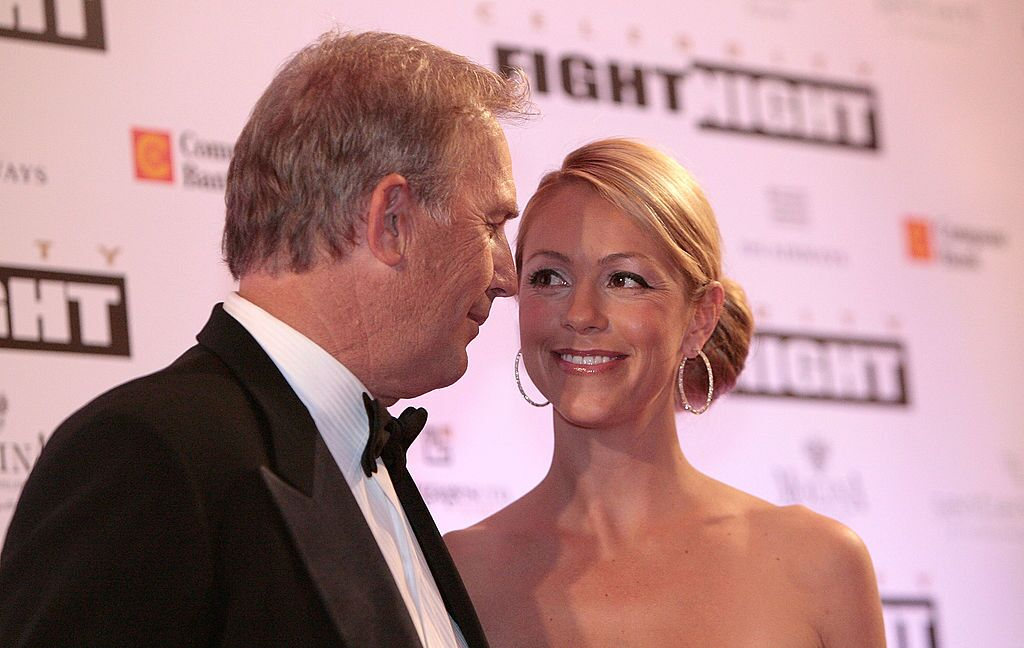 Kevin Costner und seine Frau Christine Baumgartner bei Muhammad Alis Celebrity Fight Night XIV in Scottsdale Arizona im Jahr 2008 | Quelle: Getty Images