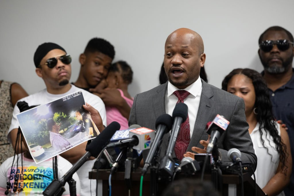 One of Rayshard Brooks family lawyers L. Chris Stewart speaks to the media on June 15, 2020 in Atlanta, Georgia | Photo: Getty Images