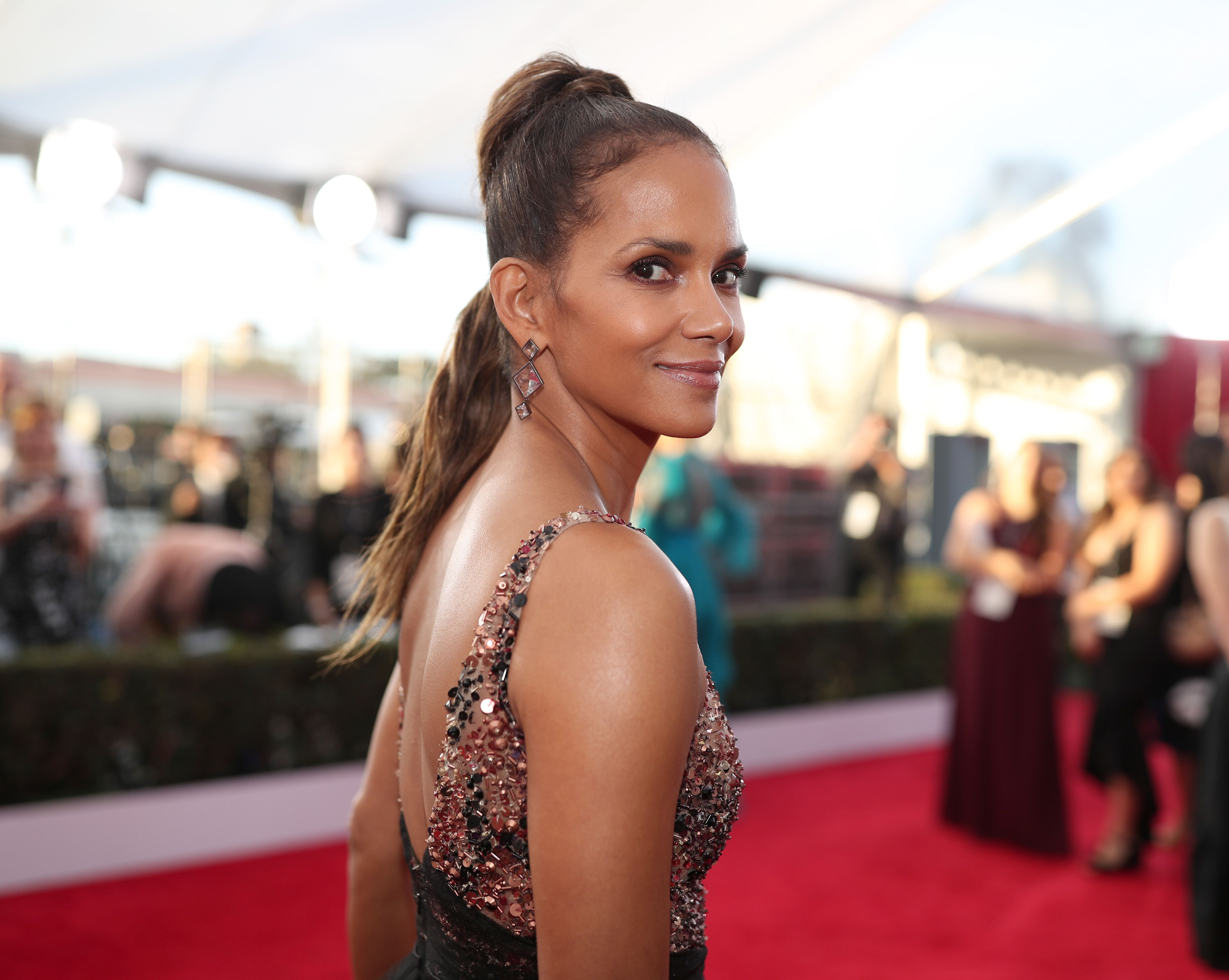 Halle Berry at the 24th Annual Screen Actors Guild Awards in 2018 in Los Angeles, California | Source: Getty Images