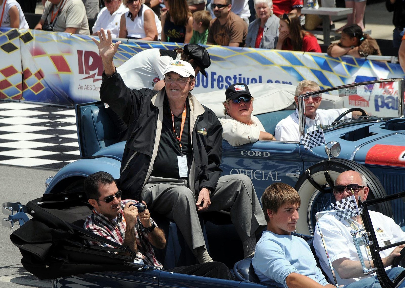 Jim Nabors at the opening of the Indianapolis 500 on May 24, 2008. | Source: Wikimedia Commons