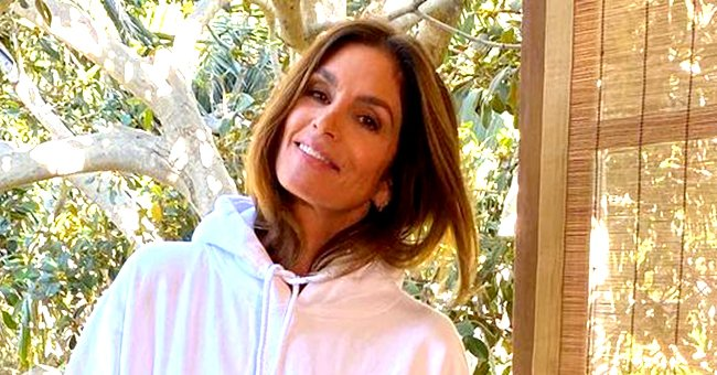 Cindy Crawford Cuddles up with Husband Rande Gerber in a Rare Selfie as They Enjoy the Sunset