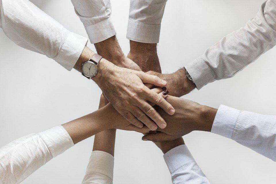 Ayuda a otros| Foto: Pixabay