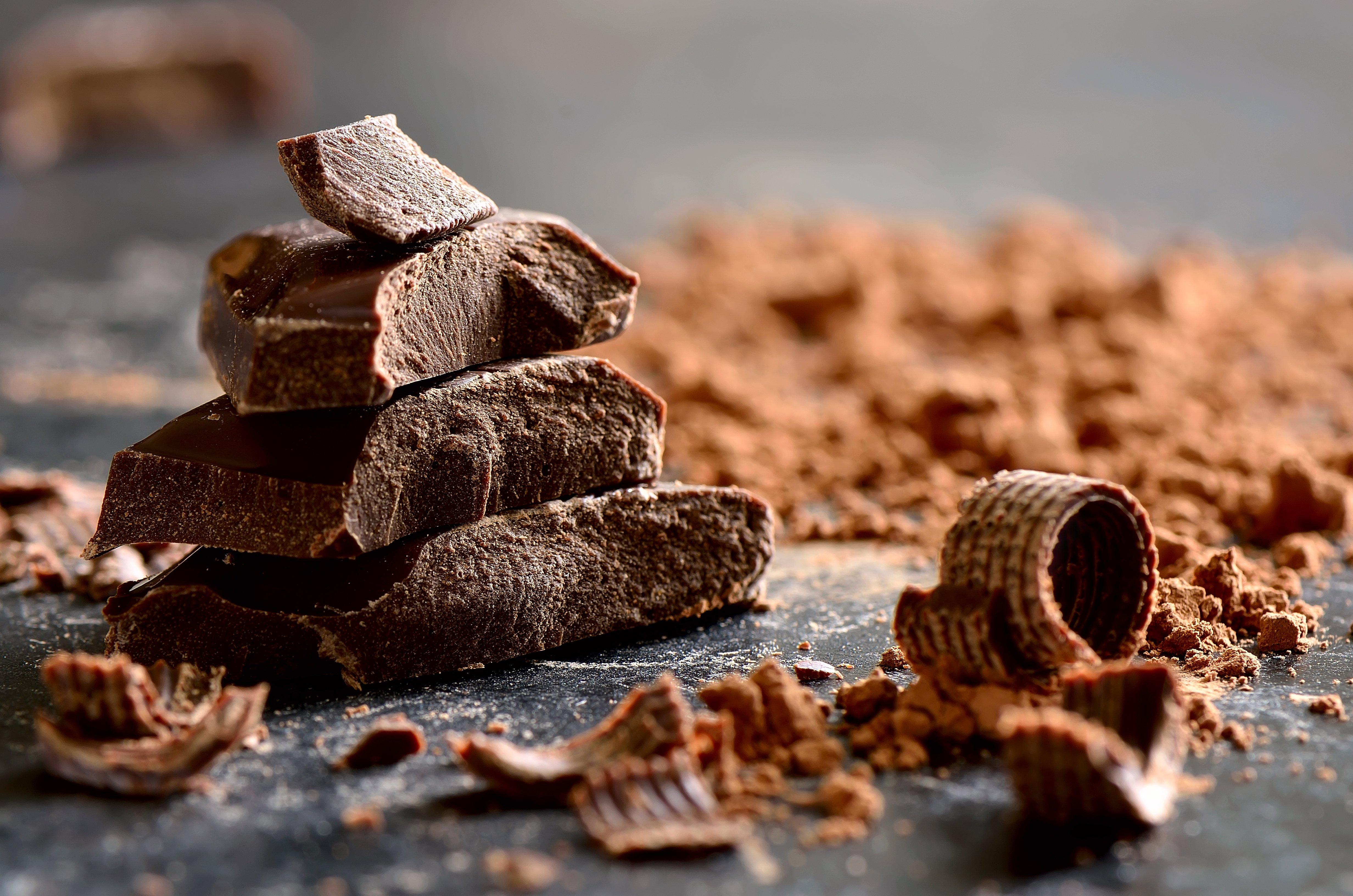 Lonjas de chocolate. | Imagen: Shutterstock