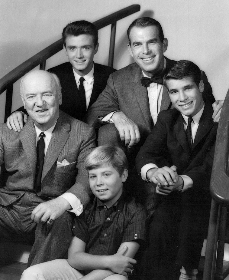 """Fred MacMurray with the rest of the cast of """"My Three Sons""""   Photo: Wikimedia Commons"""