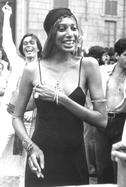Donyale Luna, modelo estadounidense y primera modelo negra en aparecer en la portada de una revista. | Imagen: Wikipedia