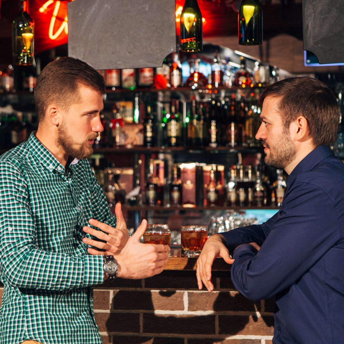 A bartender helps a man who couldn't differentiate his horses out | Photo: Getty Images