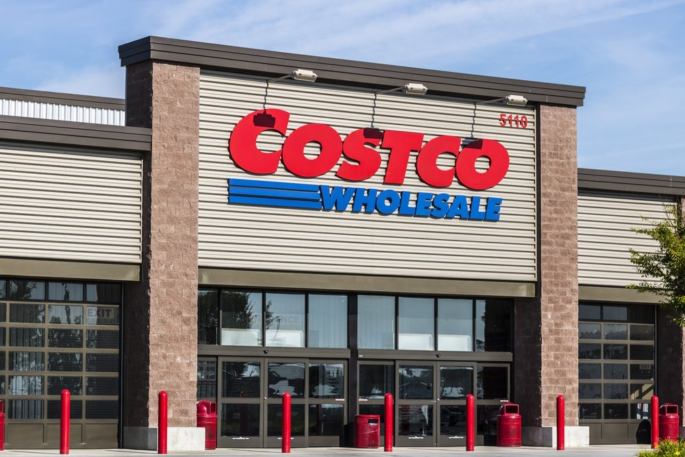 The front of a Costco Wholesale Store | Photo: Shutterstock