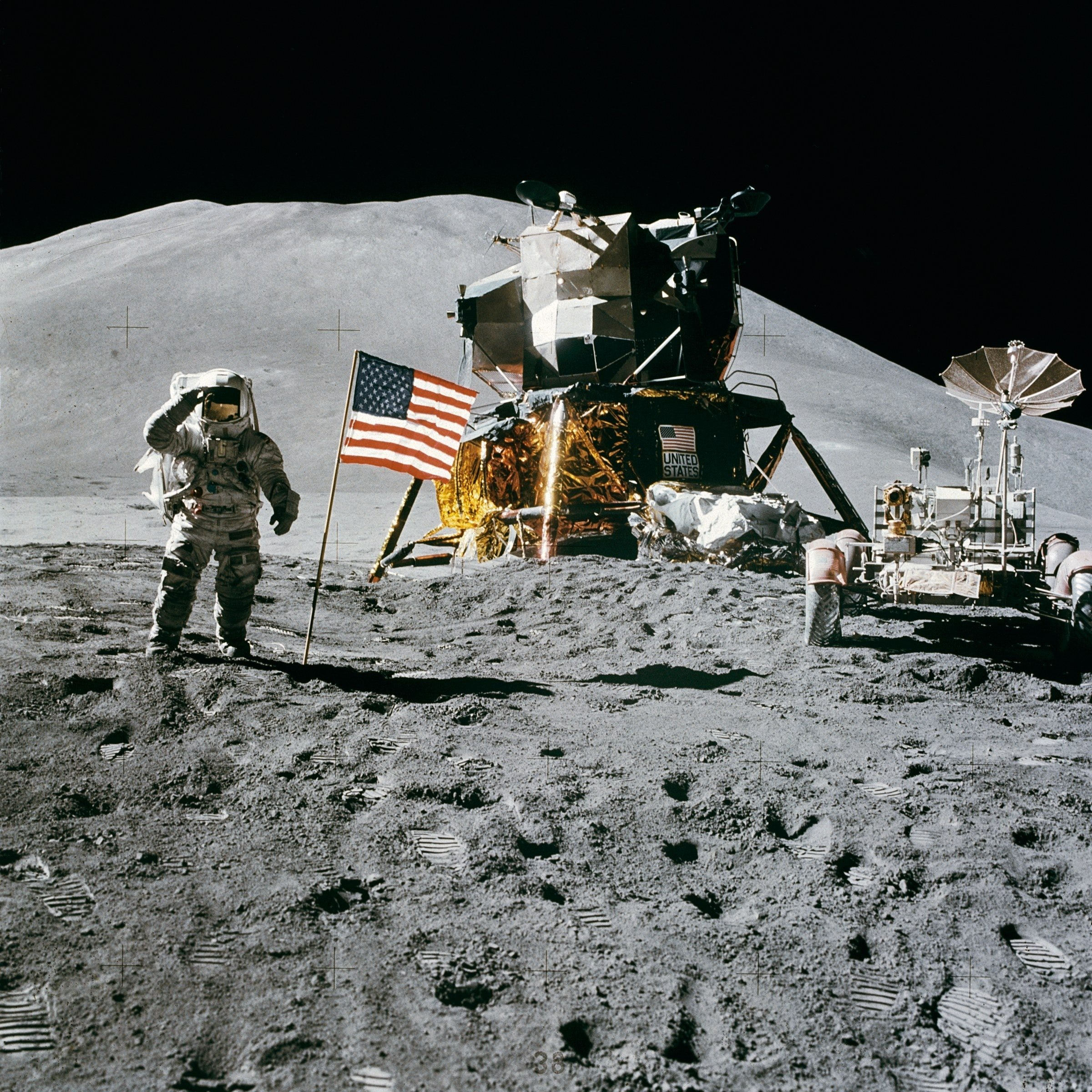 American flag on the moon. | Source: pexles.com