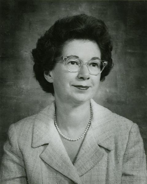 Beverly Cleary in 1971. | Source: Wikimedia Commons, public domain