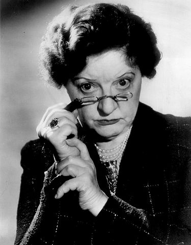Marion Lorne as Myrtle Banford from the television program Sally in 1957. | Source: Wikimedia Commons.