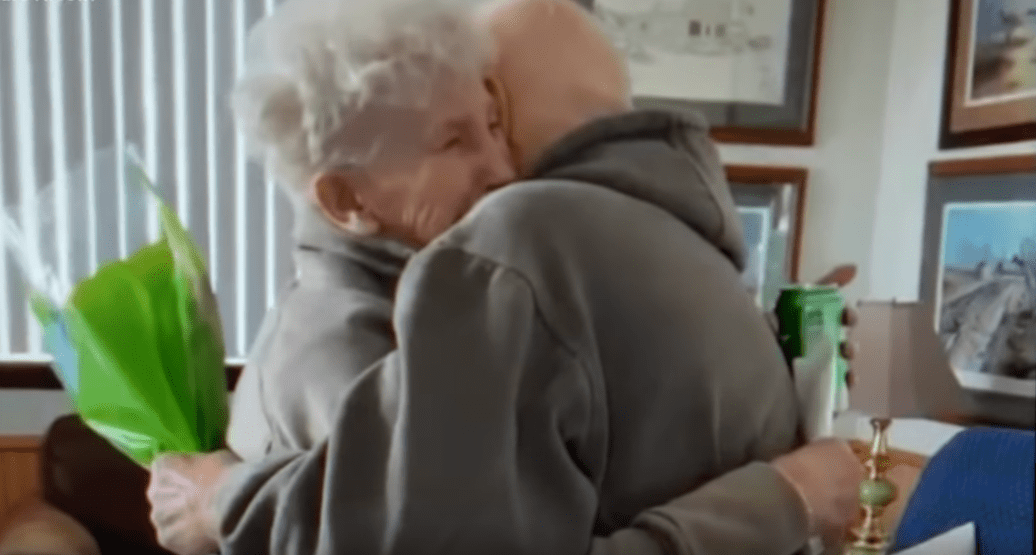 Beverley and Jerry Lindell giving each other a sweet embrace, as shown in the video posted to YouTube on April 1, 2020. | Photo: YouTube/KARE 11